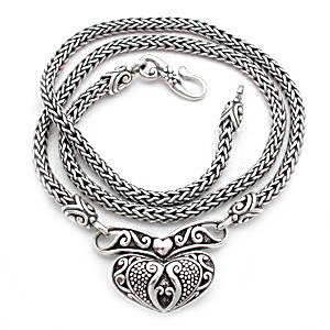 Medieval silver necklaces