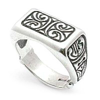 Men's artisitic silver ring